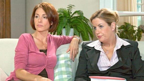 Pia und Sarah sollen für ihre Söhne zum Schulfest backen ...