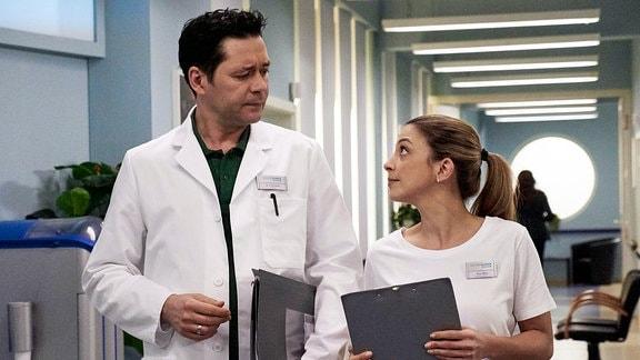 Dr. Philipp Brentano und seine Frau, Oberschwester Arzu Ritter.