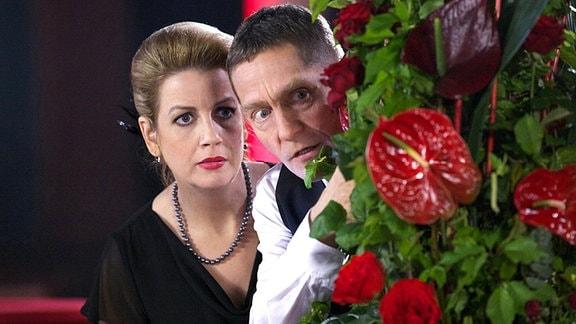 Sarah Marquardt (Alexa Maria Surholt) und Dr. Kaminski (Udo Schenk) gehen seit geraumer Zeit Tango tanzen. Doch als plötzlich ausgerechnet Hans-Peter Brenner in der Bar auftaucht, droht ihr Geheimnis aufzufliegen.