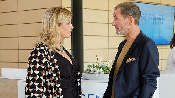 Sarah Marquardt und Richard Noll im Gespräch.