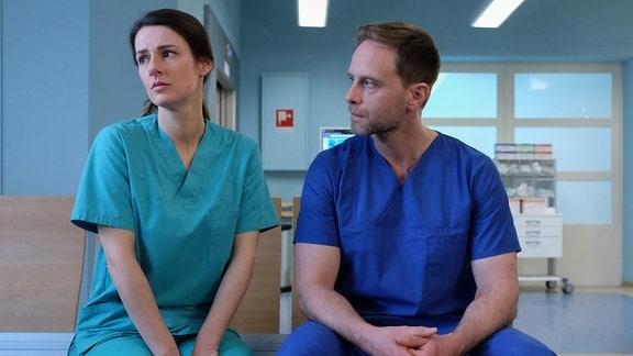 Dr. Kai Hoffmann und Dr. Maria Weber im Gespräch.