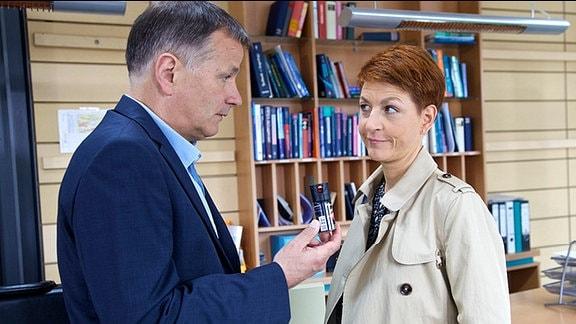 Roland Heilmann (Thomas Rühmann) und Pia Heilmann (Hendrikje Fitz)
