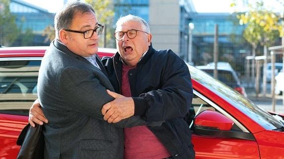 Michael Trischan als Hans-Peter Brenner und Peter Rauch als Hans Dallwitz