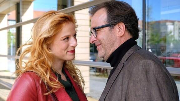 Lulu Hopp (Nora Koppen) und André Roth (Joachim Raaf)