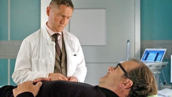 Dr. Kaminski (Udo Schenk) und André Roth (Joachim Raaf)
