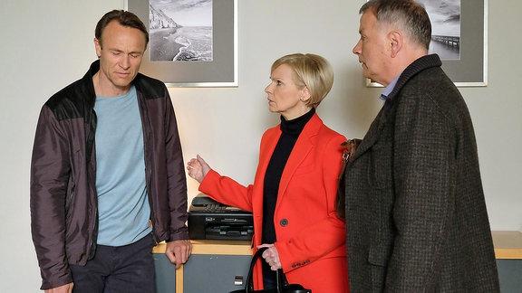 Martin Stein (Bernhard Bettermann), Kathrin Globisch (Andrea Kathrin Loewig) und Roland Heilmann (Thomas Rühmann)