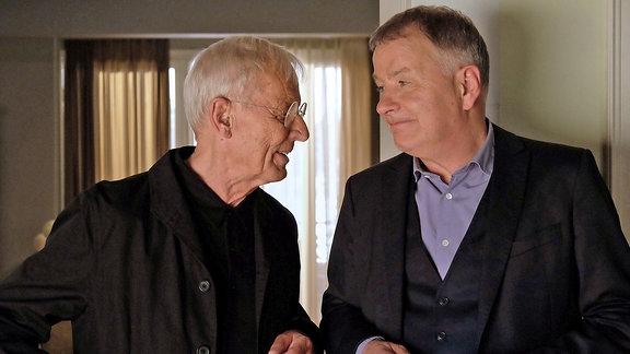 Otto (Rolf Becker) und Dr. Roland Heilmann (Thomas Rühmann)
