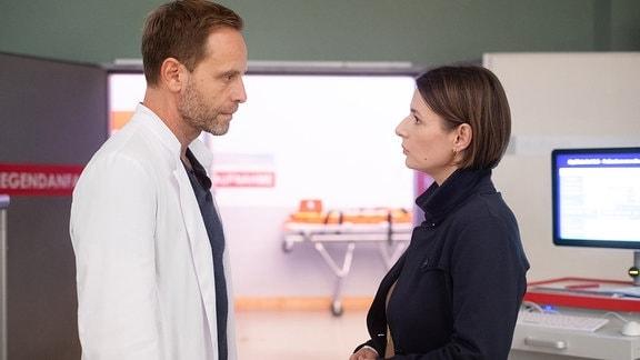 Julian Weigend als Kai Hoffmann und Annett Renneberg als Maria Weber