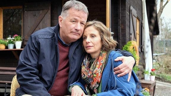 Katja Brückner (Julia Jäger) und Roland Heilmann (Thomas Rühmann) haben beschlossen, ihre Beziehung offiziell zu machen. Doch der Kennenlern-Nachmittag mit Katjas Sohn war ein Desaster.