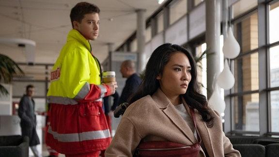 Jascha Rust als Kris Haas und Mai Duong Kieu als Dr. Lilly Phan