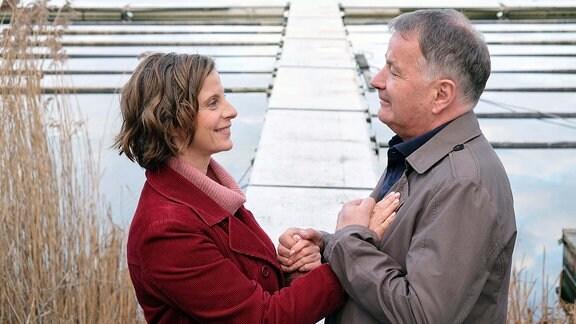 Julia Jäger spielt Katja Brückner, die neue Liebe von Dr. Roland Heilmann (Thomas Rühmann)