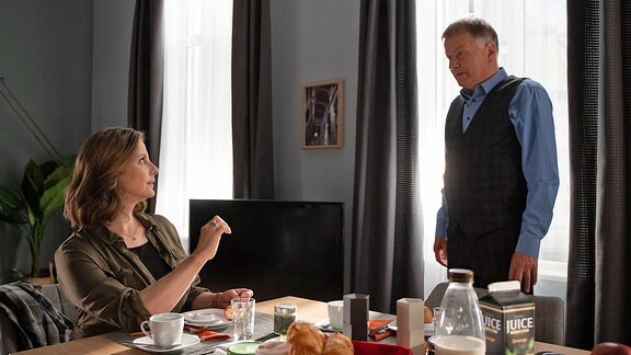 Roland (Thomas Rühmann) und Katja (Julia Jäger)