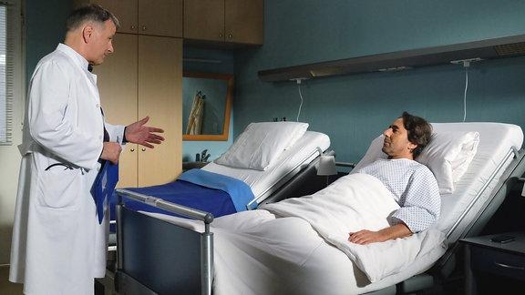 Thomas Rühmann als Roland Heilmann und Dieter Landuris als Oliver Heller