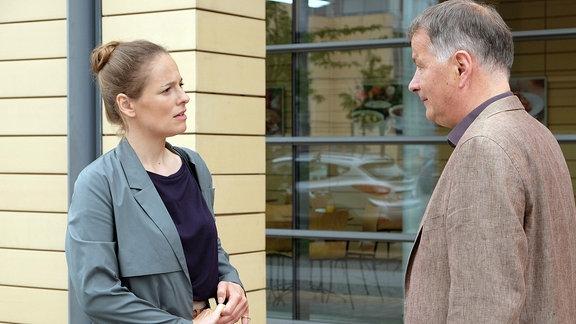 Rike Schäffer als Kerstin Heller und Thomas Rühmann als Roland Heilmann