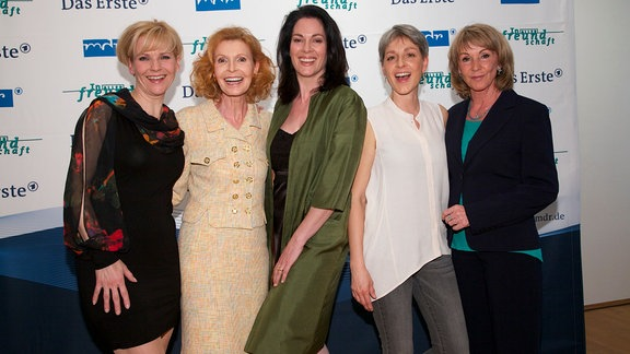 Andrea Kathrin Loewig (Dr. Kathrin Globisch), Jutta Kammann (Oberschwester Ingrid Rischke), Cheryl Shepard (Dr. Elena Eichhorn), Hendrikje Fitz (Pia Heilmann) und Uta Schorn (Barbara Grigoleit)