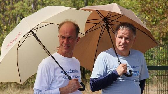 Thomas Rühmann und Holger Daemgen mit Sonnenschutz 2