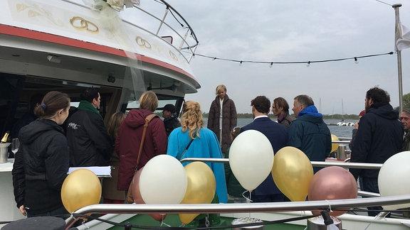Probe einer Szene der Folge 781 auf dem Schiff mit Andrea Kathrin Loewig