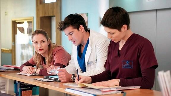 IaF - die Jungen Ärzte (141) Drum prüfe sich...