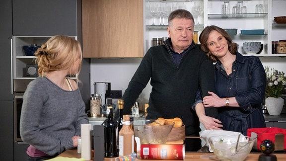 Julia Jäger, Thomas Rühmann und Ella Zirzow