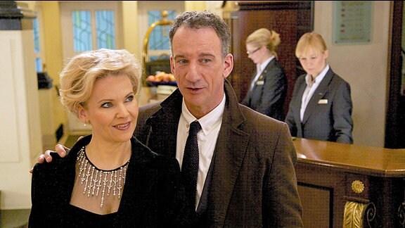 Alexander Weber (Heio von Stetten) und Kathrin Globisch (Andrea Kathrin Loewig)