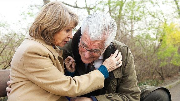 Wilhelm Mehnert (Sky du Mont) und Barbara Grigoleit (Uta Schorn)