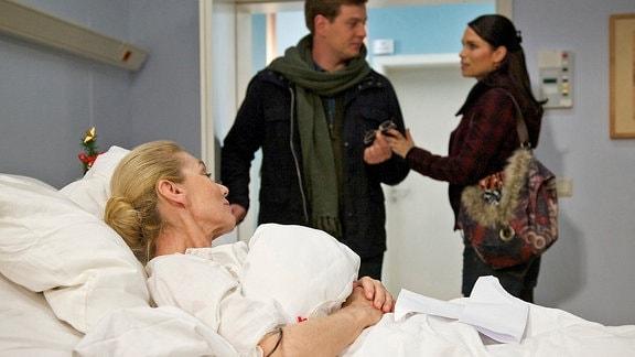 Inge Albers (Ursula-Rosamaria Gottert), Jakob Heilmann (Karsten Kühn) und Caro Strehle (Sandra S. Leonhard)