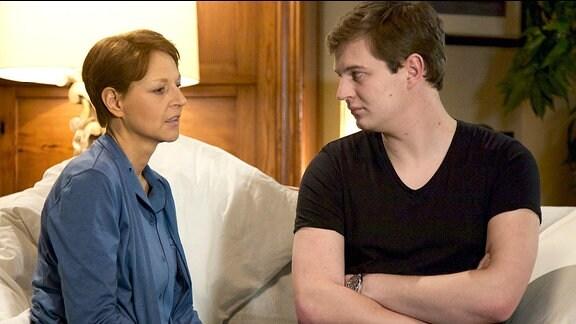 Pia Heilmann (Hendrikje Fitz) und Jakob Heilmann (Karsten Kühn)