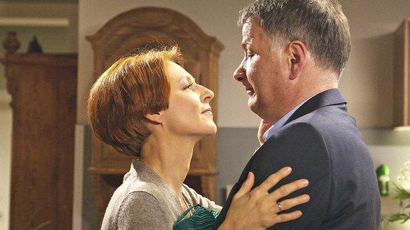 Pia (Hendrikje Fitz) und Roland Heilmann (Thomas Rühmann)