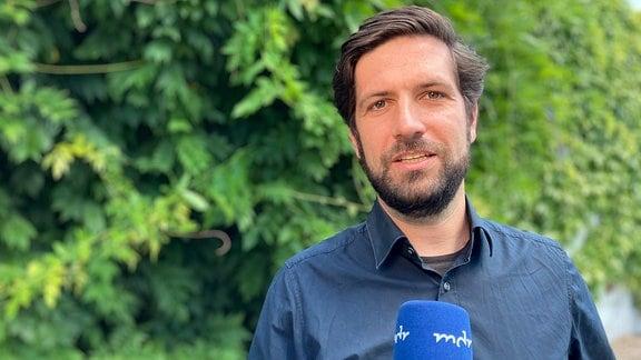 MDR-Reporter Tobias Bader