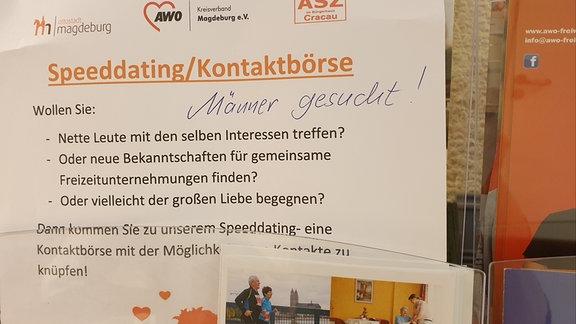 Zettel mit Aufruf für ein Speeddating in Magdeburg