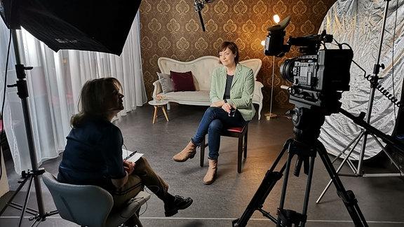 Dreharbeiten Interview Autorin und Frau
