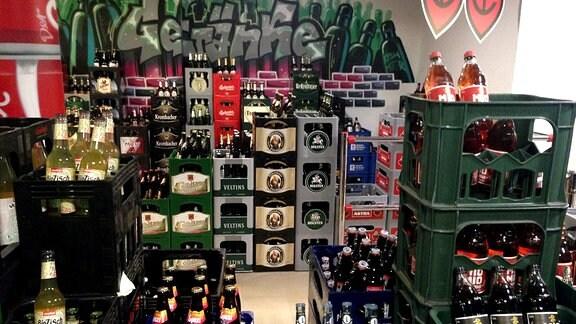Getränkeangebot in einem Spätshop