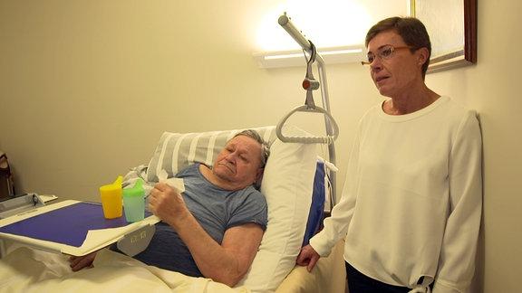 Pflegeheim-Bewohner Reinhard Herder mit Tochter Ariane Herder