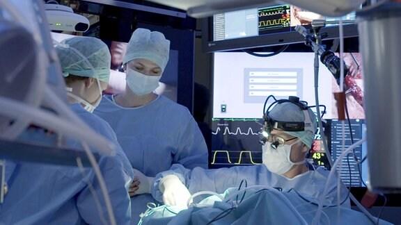 Operation in Kopfzentrum