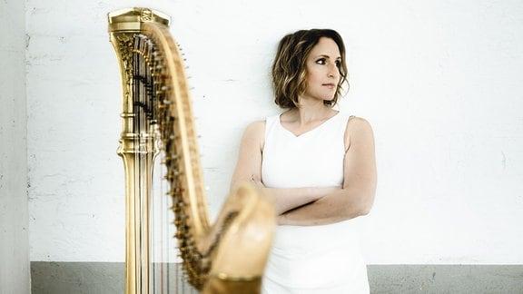 Die Harfenistin Sarah Christ