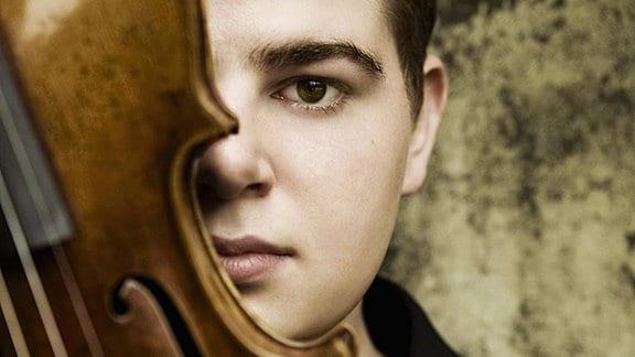 Violinist Chad Hoopes
