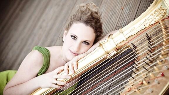 Sarah Christ, Harfe
