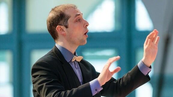 Alexander Schmitt dirigiert