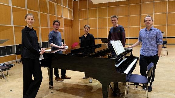 Gruppenbild der Teilnehmenden mit Florian Helgath beim Dirigentenforum 2021.