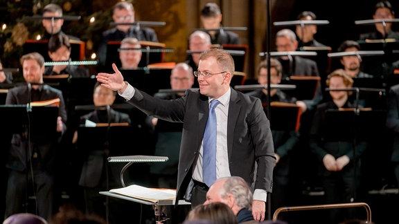 Philipp Ahmann bei seinem Antrittskonzert als Künstlerischer Leiter des MDR-Rundfunkchors in der Leipziger Peterskirche