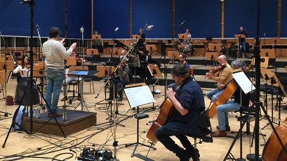 Mitglieder des MDR-Sinfonieorchesters bei einer Aufnahme im MDR-Studio.