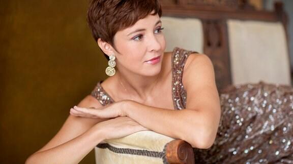 Valentina Farcas, Sängerin