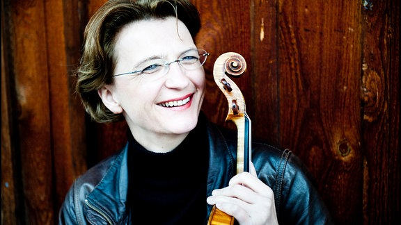 Antje Weithaas mit ihrer Violine