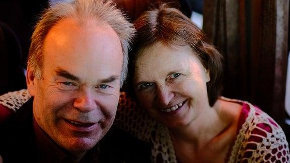 Andreas und Barbara Hartmann (Konzertmeister und erste Geige) im Reisebus