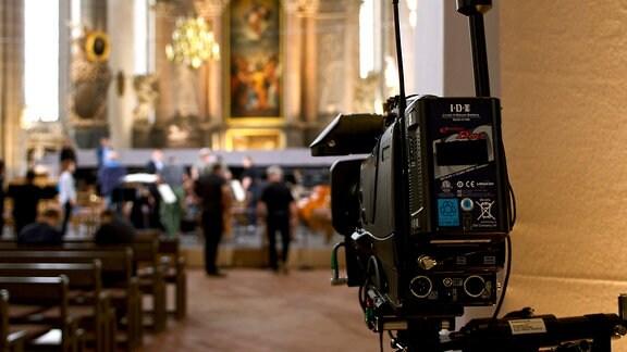 Kamera in einer Kirche
