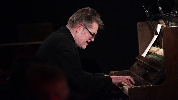 Alexander von Schlippenbach am Klavier