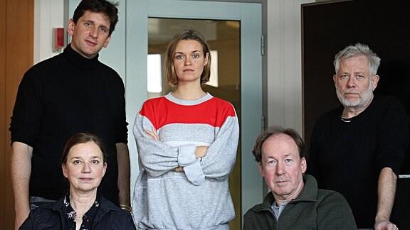 Asimovs Erben, vlnr: Sebastian Schwarz, Lena Stolze (vorne), Nora Schulte (hinten), Ulrich Noethen, Tilo Nest