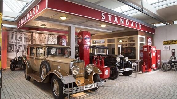 Der Nachbau einer histoirschen Tankstelle: Genau im Herzen des alten Audi-Werkes, am Ursprung großer Automobilhistorie, befindet sich heute das August Horch Museum.