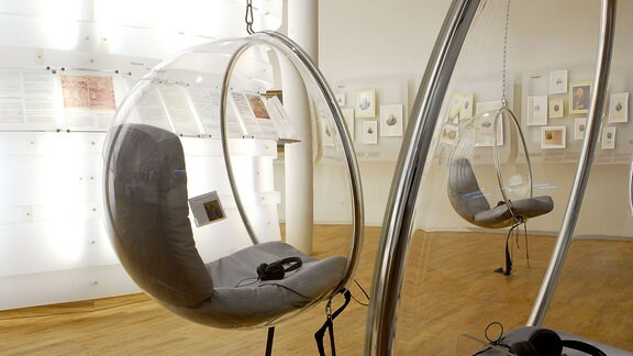 Hängende Sessel im Bachhaus Eisenach