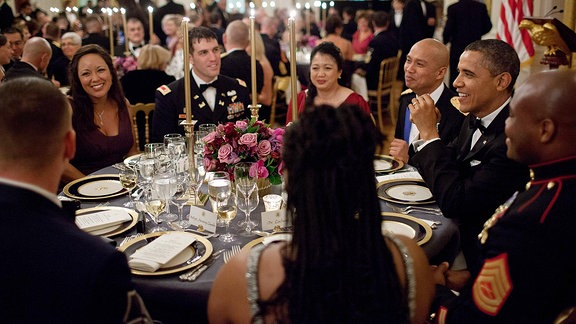 Barack Obama bei einem Dinner.